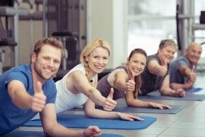 Daumen hoch mit Fitness von Steuer absetzen